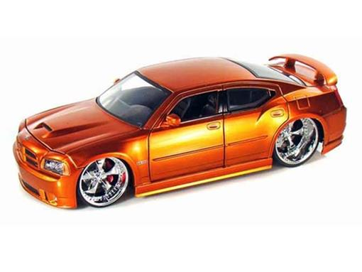 Dodge: Charger SRT8 (2006) - Laranja - 1:24