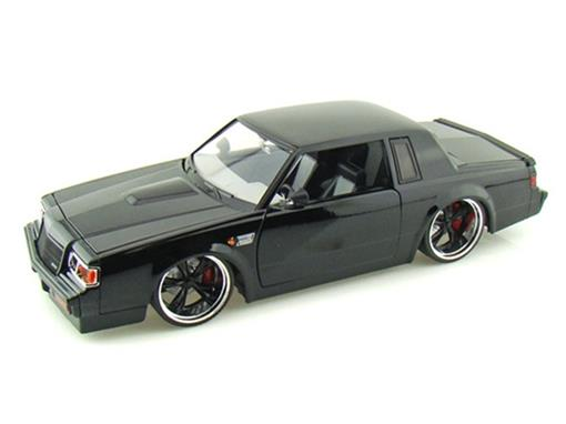 Buick: Grand National (1987) - 1:18