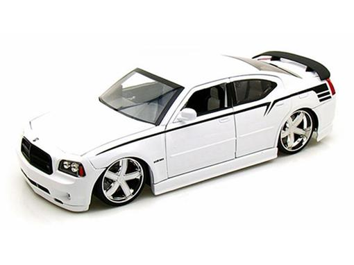 Dodge: Charger SRT8 (2006) - Branco - 1:18