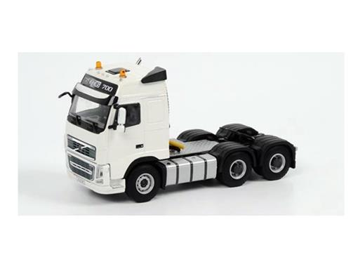 Volvo: FH3 Globetrotter 6x4 - Cavalo - 1:50