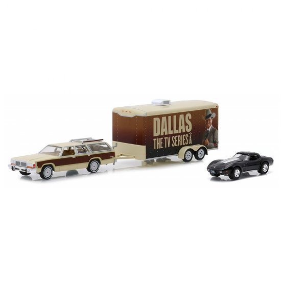 Set Carro Chevrolet Corvette (1978) / Ford LTD Country Squire (1979) c/ Trailer - Dallas The Tv Series - Hitch & Tow Hollywood - Series 6 - 1:64 - Greenlight