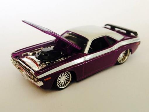 Dodge: Challenger R/T (1970) - Roxo - Custom Shop - 1:64