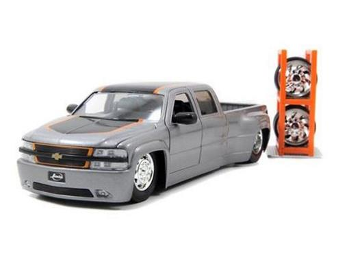 Chevrolet: Silverado Dooley (1999) c/ Rodas Extras - Cinza - Just Trucks - 1:24