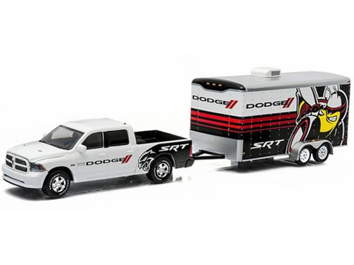 Dodge Ram: 1500 Sport c/ Enclosed Car Hauler (2014) - Branco - 1:64 - Greenlight