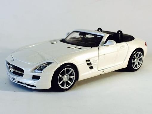 Mercedes Benz: SLS AMG Roadster   Branco   1:24   Maisto