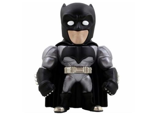 Boneco Armored Batman M11 - Batman vs Superman - Metal Die Cast - C/ Luz - Jada