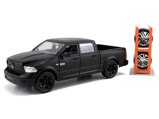 Dodge: Ram 1500 (2014) c/ Rodas Extras - Preto - Just Trucks - 1:24 - Jada