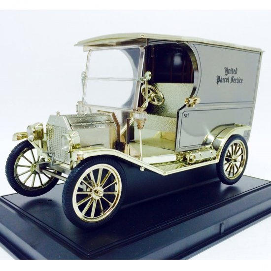 Ford: Model T (1913) UPS - Nº 1 - Prata - 1:18 - Norscot