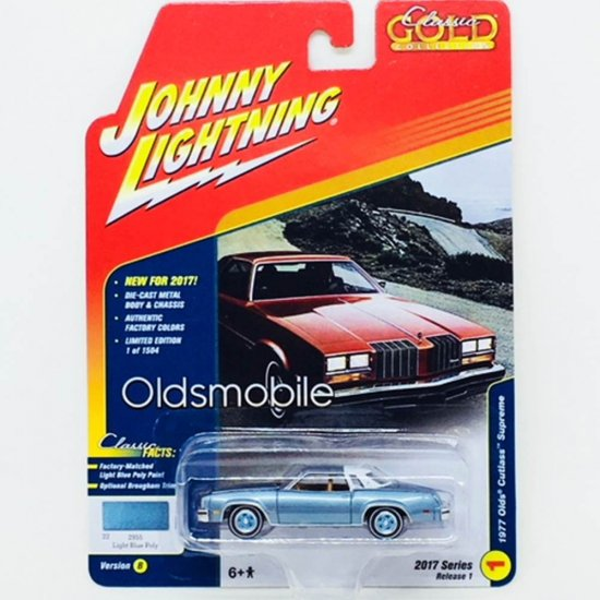 Miniatura Carro Oldsmobile Cutlass Supreme (1977) - Classic Gold - 2017 Series - Azul - 1:64 - Johnny Lightning
