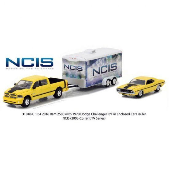 Set Miniatura Picape Dodge RAM (2015) c/ Dodge Challenger RT (1970) e enclosed trailer - NCIS - 1:64 - Greenlight