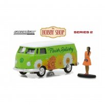 Imagem - Miniatura Carro Volkswagen Kombi Panel Van c/ Figura - The Hobby Shop - Series 2 - 1:64 - Greenlight
