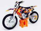 Imagem - KTM: 450 SX-F (2014) Red Bull Factory Racing #94 - 1:18 - Burago