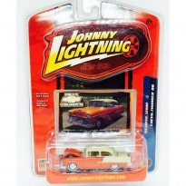 Imagem - Miniatura Carro Chevrolet Sedan (1955) - Chevy Thunder R8 - 1:64 - Johnny Lightning