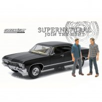 Imagem - Chevrolet: Impala Sport Sedan (1967) c/ Figura - Supernatural - 1:18 - Greenlight
