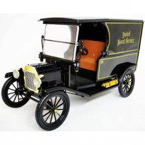 Ford: Model T (1913) UPS - Nº 1 - Preto - 1:18 - Norscot