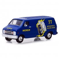 Miniatura Carro Dodge B-100 (1977) - Michelin - Running On Empty - Série 7 - 1:64 - Greenlight