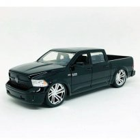 Miniatura Carro Dodge Ram 1500 Pickup (2014) - Preto - Just Trucks - 1:24 - Jada Toys
