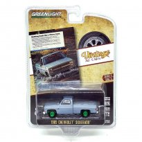 Imagem - Miniatura Picape Chevrolet Silverado (1985) - Vintage AD Cars - Série 3 - 1:64 - Greenlight (Chase / Green Machine)