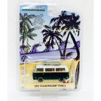 Imagem - Volkswagen: Type 2 / Kombi (1972) c/ Pracha de Surf - 1:64 - Greenlight (Chase / Green Machine)
